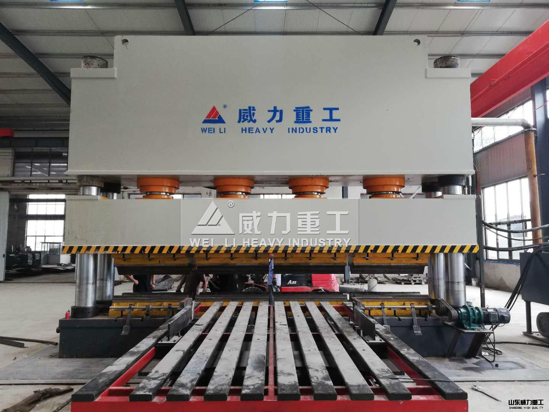 1600吨龙门框架式液压机